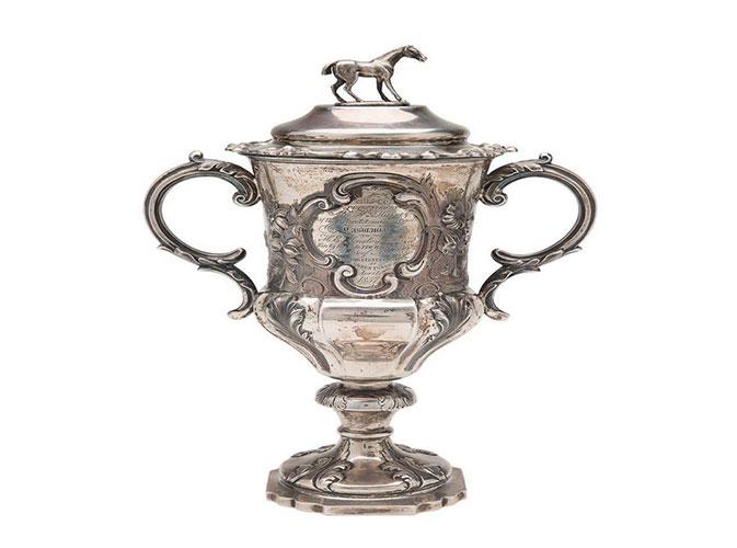 Horse-Race-Trophy